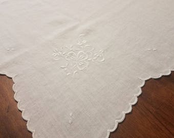 White antique tablecloth 3 leaf clover with napkins