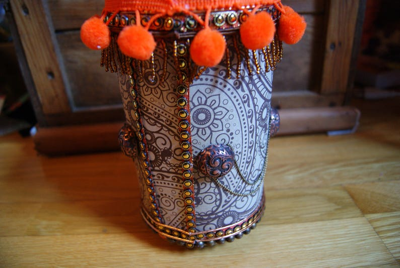 Boite orange Africaine