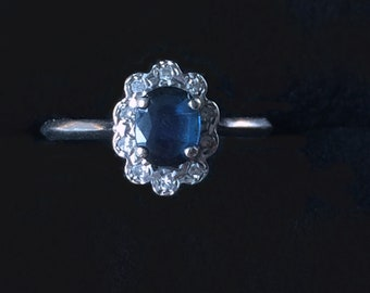Sapphire Daisy and diamond ring white gold - Pompadour sapphire and diamonds white gold ring