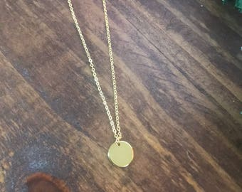 Simple gold cirlce necklace