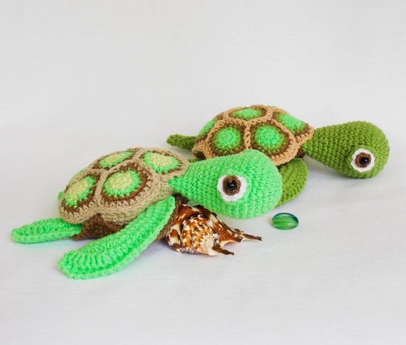 Pattern: Amigurumi Turtle - All About Ami | 485x570