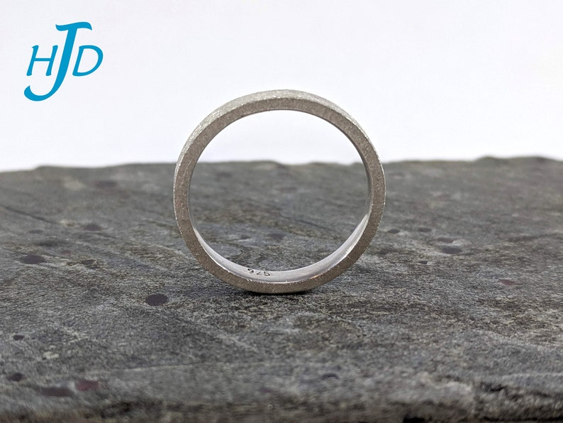 Sterling Silver 3mm 8-Gauge Inverted Crazy-8 Square Edge Wedding Promise Marriage Band with Comfort Fit and Swirl Texture Size 6 34