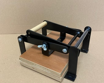 A5-size (junior legal+) hand lino press, lino cut press, heavy duty, steel, powdercoated mattblack