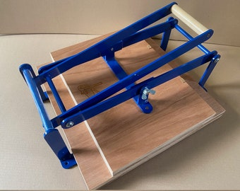 Extra wide A3 size hand lino press, lino cut press, heavy duty, steel. color: blue RAL 5010