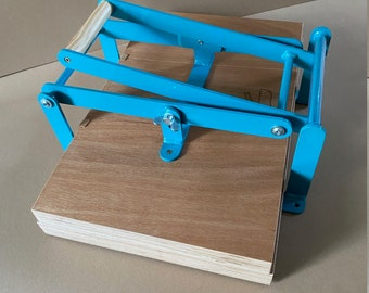 19 x 12,5 inch-size hand lino press, lino cut press, heavy duty, steel. Color: RAL 5018 turquoise