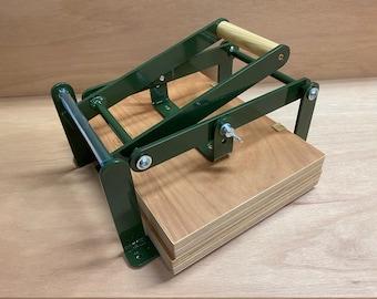 A4-size hand lino press, lino cut press, heavy duty, steel, US letter size, gloss green powdercoated