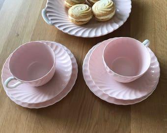 Swirl pink trio tea set and cake plate