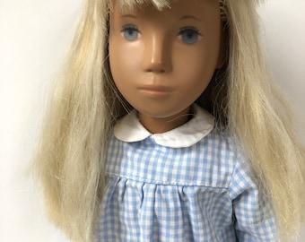 Pretty girl Sasha doll. Vintage, 1970's. original clothing in good condition.