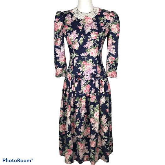 Vintage 1960s Housewife Dress