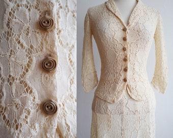 Vintage 1940s | XXS - S | Rare cotton lace bridal suit/ensemble with wooden buttons
