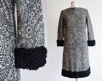 Vintage 1960's / Paisey wool and persian lamb mod shift dress / size medium