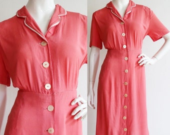 Vintage 1940s | Large | Coral rayon day dress