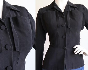 Vintage 1940s | Small | lightweight rayon faille, fitted blazer with 3D pockets.