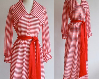 Vintage 1960's / 60's Red and white candy stripe maxi dress with wide dagger collar / size small