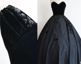 Vintage 1940s | S-M | Deadly black taffeta and velvet ball gown with sequins and butterflies.