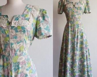 Vintage   L/XL   1930s/1940s zip front cotton floral house dress