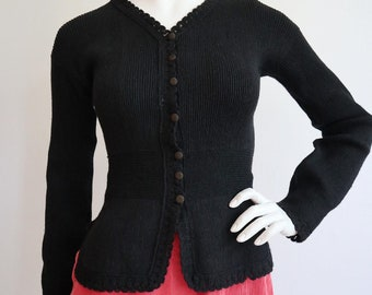 Vintage antique 1930s   S/M   wool knit, fitted cardigan