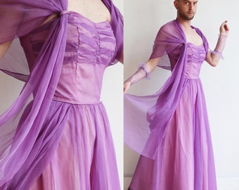 Vintage late 1940s | Small | Purple nylon gown with matching shawl, gauntlet sleeves and appliqués.