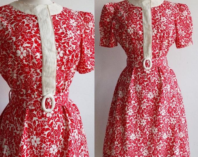 Featured listing image: Vintage 1930s   M/L   cotton floral day dress