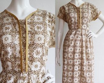 Vintage 1950s | Large | cotton eyelet floral day dress