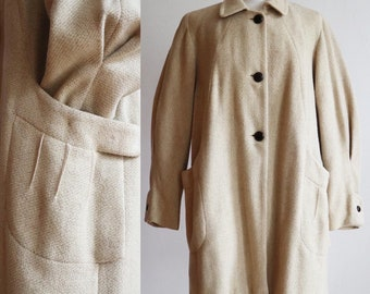 Vintage 1940s | Large | classic wool coat with balloon wide tapered sleeve