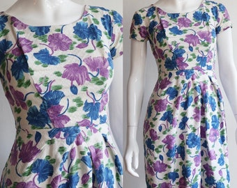 Vintage 1960s | XS-S | cotton floral day dress | origami style pleating