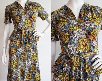 Vintage 1940s | S/M | Beautiful rayon jersey, floral peplum day dress!