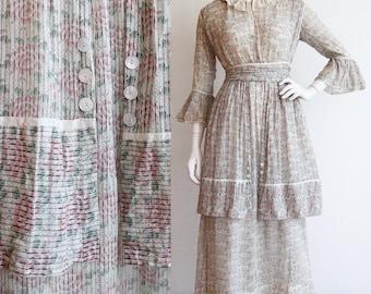 Vintage Antique 1910's | Medium | Beautiful floral printed cotton afternoon dress.