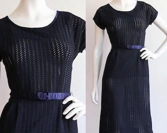 Vintage 1950s | S/M | Midnight blue, ribbon knit wiggle dress.