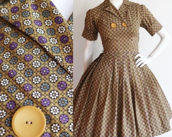 Vintage 1960s | XS/S | Beautiful mustard and colourful floral cotton dress with full skirt.