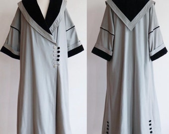 Antique 1910's-1920's | size large | cashmere and velvet walking coat