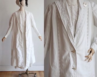 Antique Edwardian | size large | 1900's Crisp linen duster with intricate lace crochet embroidery and soutache