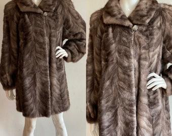 Vintage 1980's   size medium-large   Sappire mink car coat
