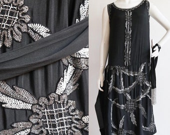 Vintage Antique 1920s | L-XL | Exquisite silk beaded flapper dress with attached sash