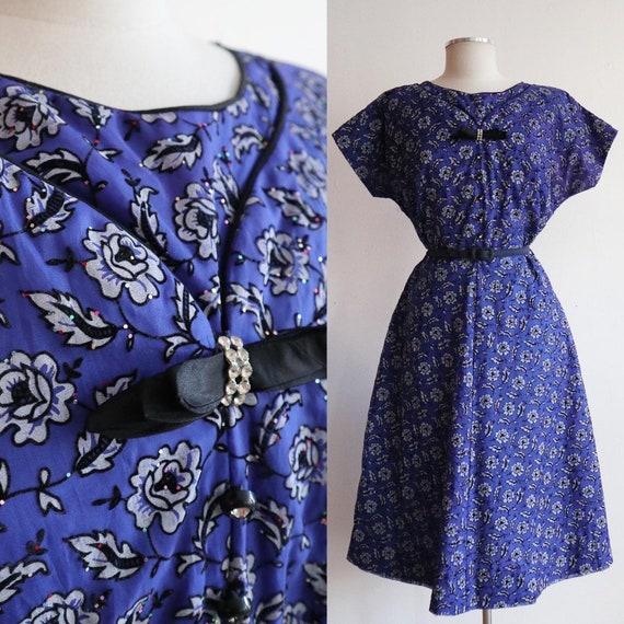 Vintage 1940s/1950s | L/XL | Indigo flocked velvet