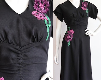 Vintage 1940s | Medium | Rayon crepe dress with beautiful floral sequins and gathering