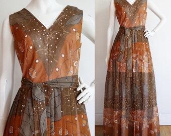 Vintage 1970s | L - XL | Dead stock mint condition, cotton voile gown by designer  Dorville at Michael Geary.
