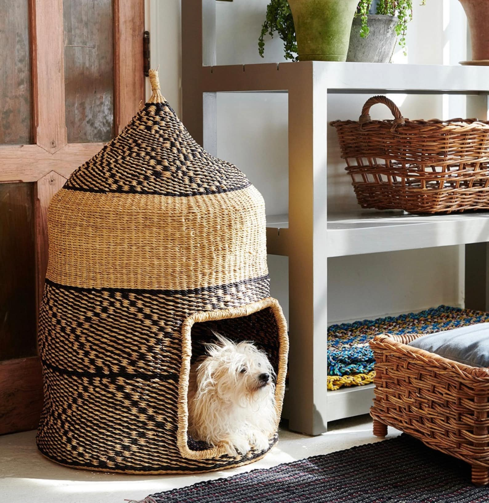 Wicker dog cave bed