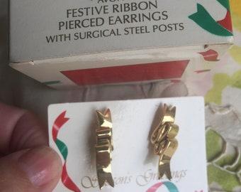 NIB Vintage Avon Festive Ribbon Pierced Earrings, 1989