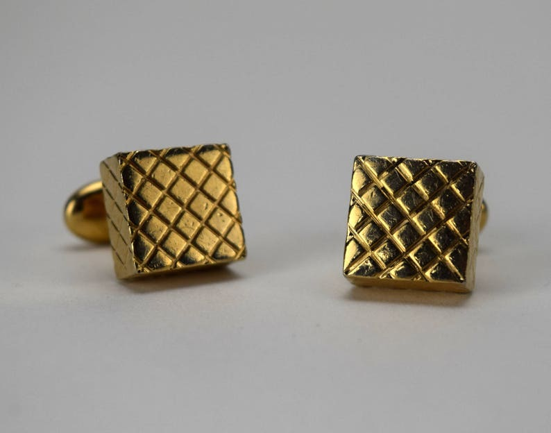 Gold Tone Cuff Links with Bean Backs Mens Suit Accessory Vintage Swank Mens Cuff Links Quilted 3D Square Block Cufflinks