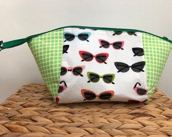 a351f3c300e5 Fabric zipper bag
