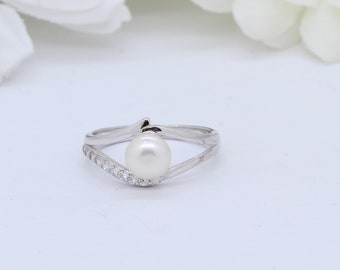 Split Band Labor Day Pearl Ring Wedding and Engagement Ring White Stone Sterling Silver Ring Dainty Ring Round Ring Pearl Jewelry