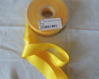 Yellow 25 mm wide satin ribbon