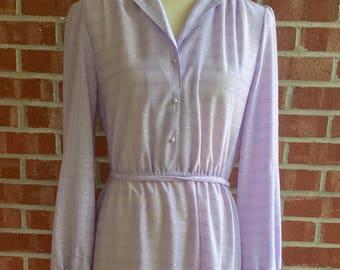 Vintage 80s lavender long-sleeve, knee-length dress. Size small/medium