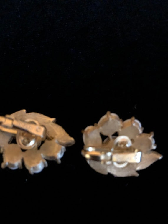Trifari Clip on Earrings - image 6