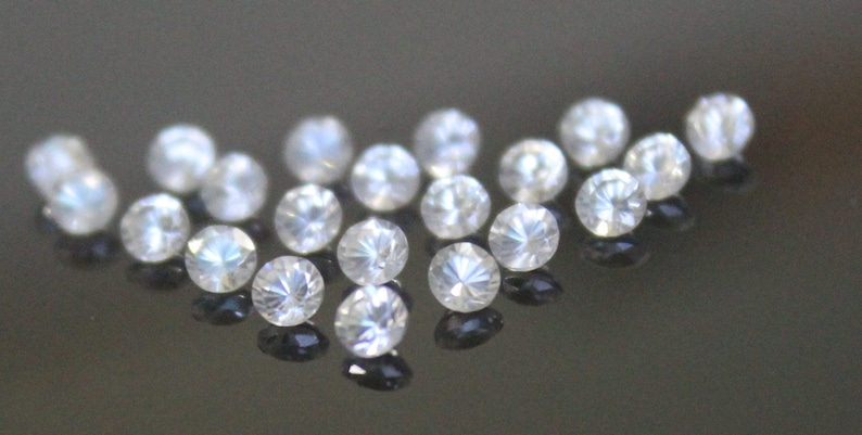 2.5 MM ROUND CUT WHITE ZIRCON ALL NATURAL AAA 20 PC SET
