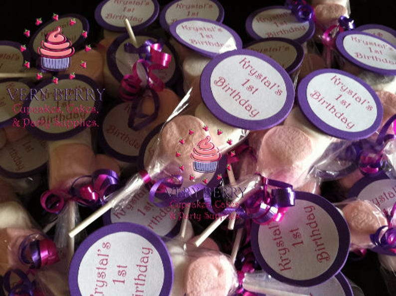 25 Marshmallow Pops with Name Label