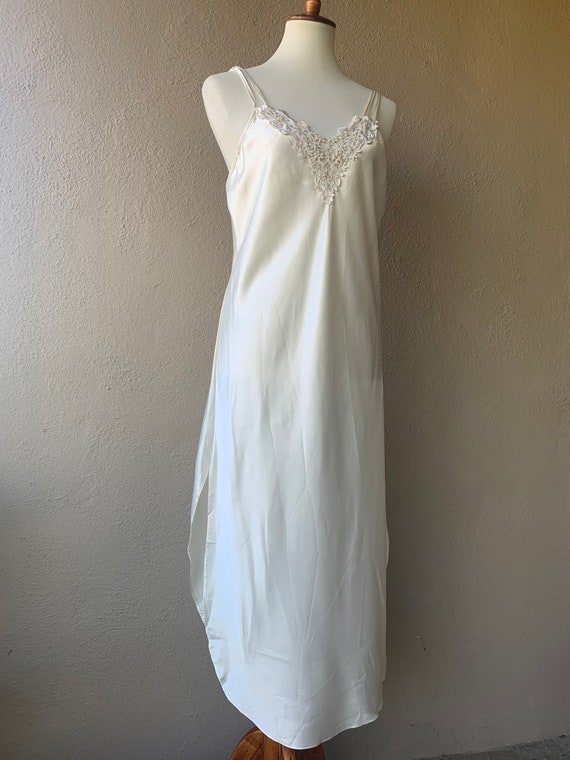 Vintage Embroidered Night Gown