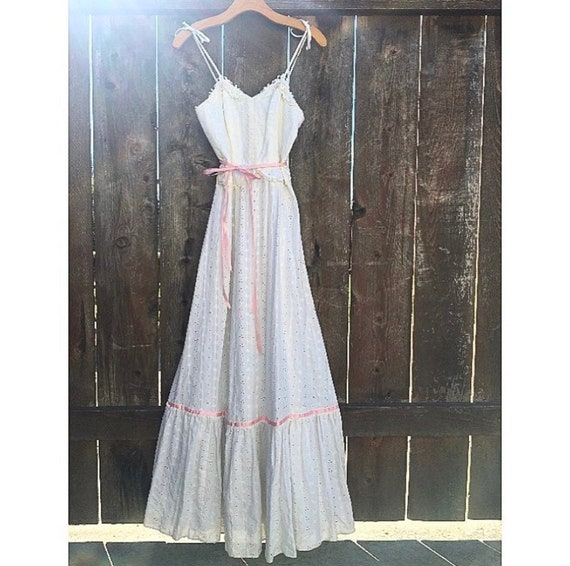 Sweet 60s Eyelet Dress