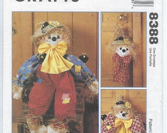 McCalls 8388 - VINTAGE - Scarecrows / 38-inch Doll, Wreath and Wall Hanging